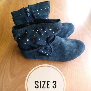 Girls shoes sizes 3